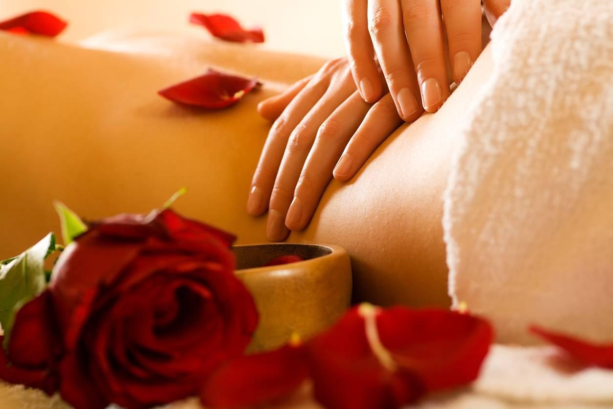 Le massage tantrique favorise la complicité, la confiance et la relaxation.